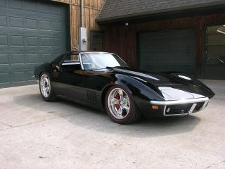 Black Corvette Redline Tires