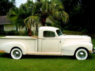 1946 Truck w/ White Wall Tires 4